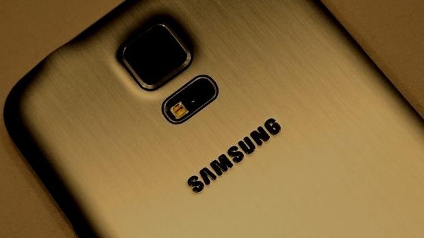 Samsung-Galaxy-S5-Prime-900-90