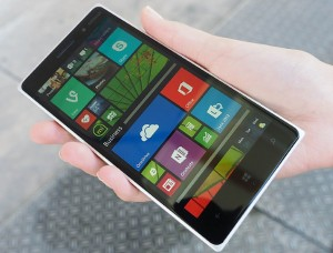 lumia_830_hand_official