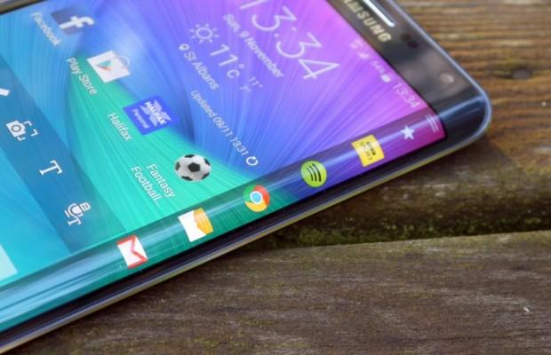 Samsung_Galaxy-S6-Edge_Flexible_Display_1-620x400